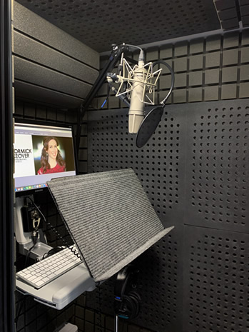 Leah McCormick female voice over actor